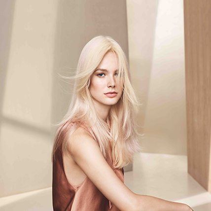 Trendige Effekt Strähnen in Chardonnay Cream Blond