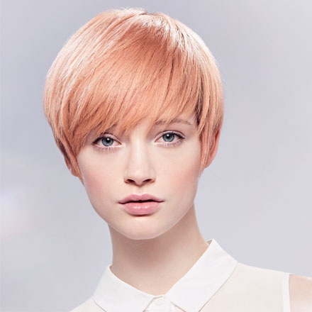 Pixie Cut Frisur veredelt mit Gloss